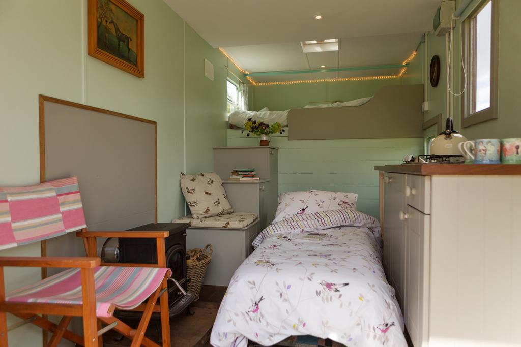 Nire Valley Glamping Bed