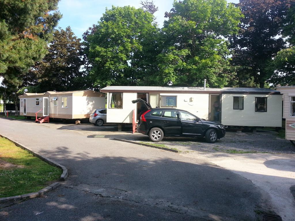 Beechgrove Camping Park cabins and available parking onsite