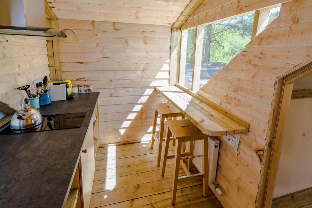 Killarney Glamping at the Grove, Suites and Lodges kitchennette