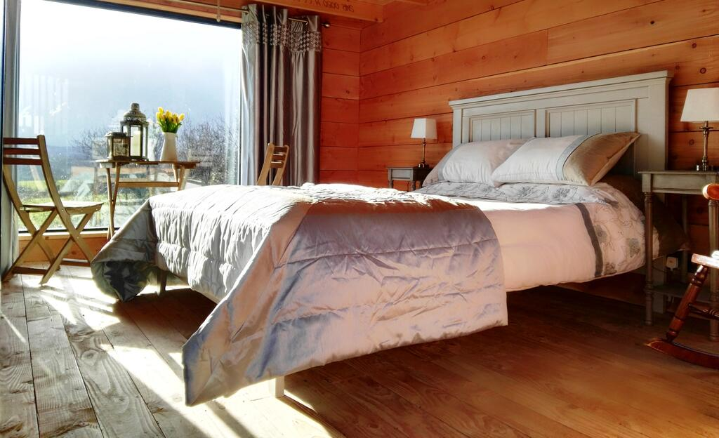 Nire Valley Eco Camp Bed 3